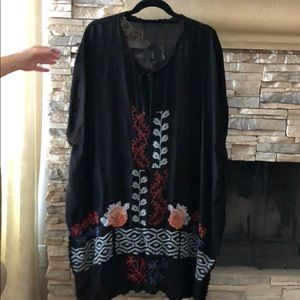 Loose black dress